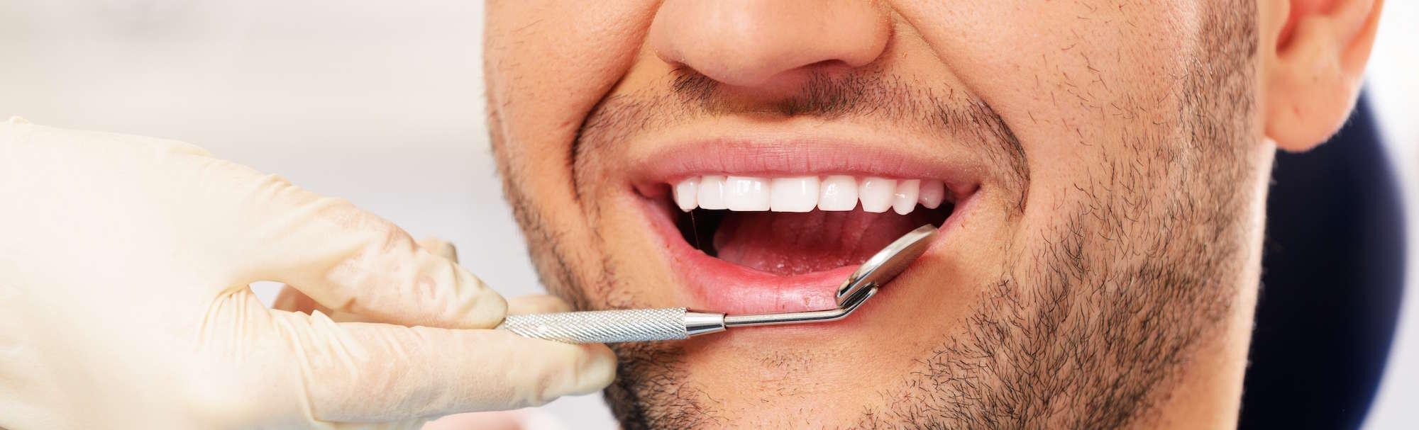 Ragazzo dal dentista