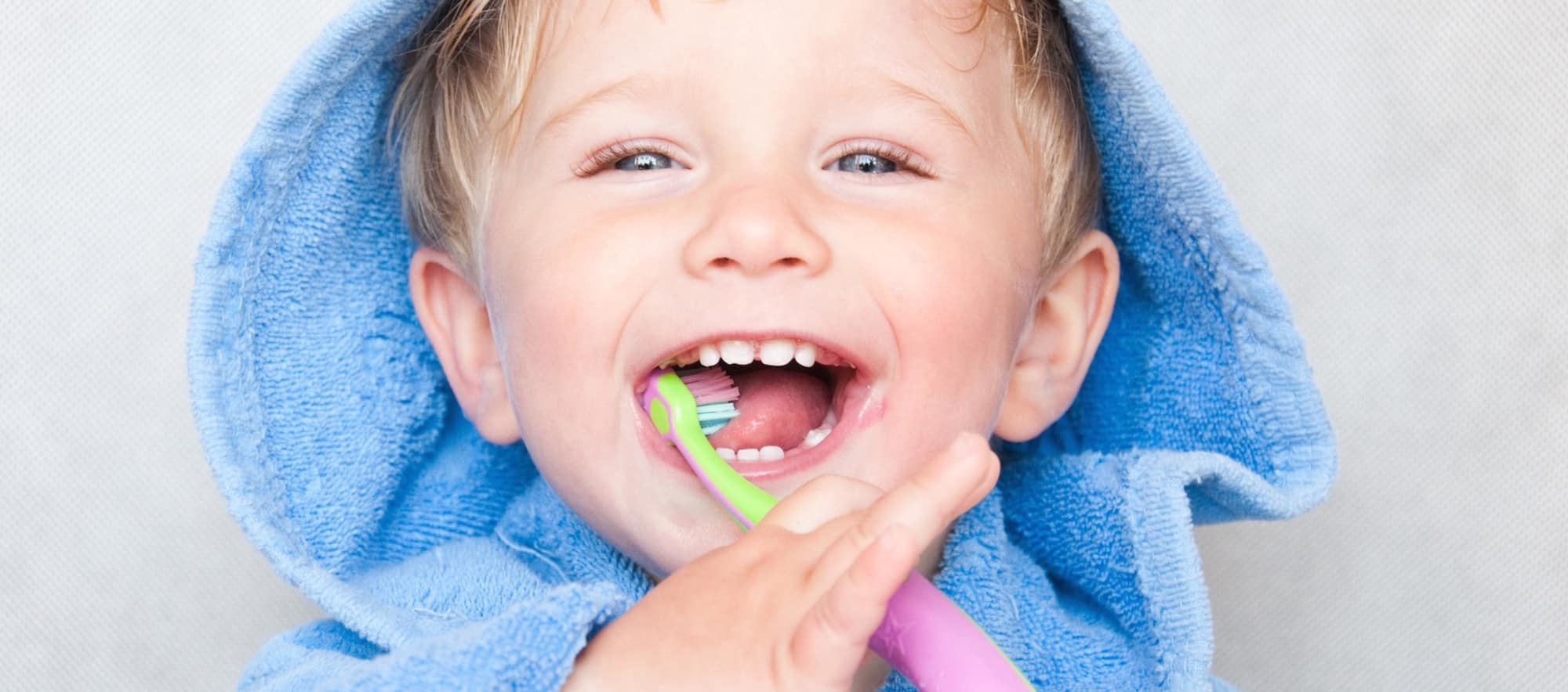 Spazzolamento denti nei bambini
