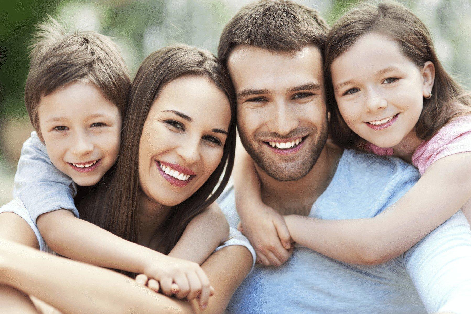 Famiglia che sorride